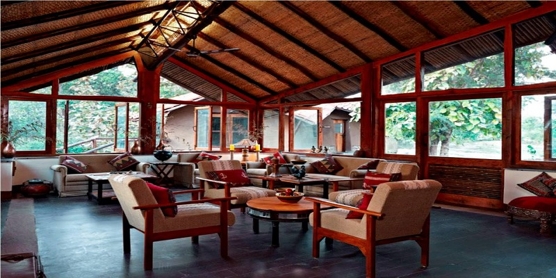 Relax-and-sitting-area-of-Reni-Pani-Jungle-Lodge